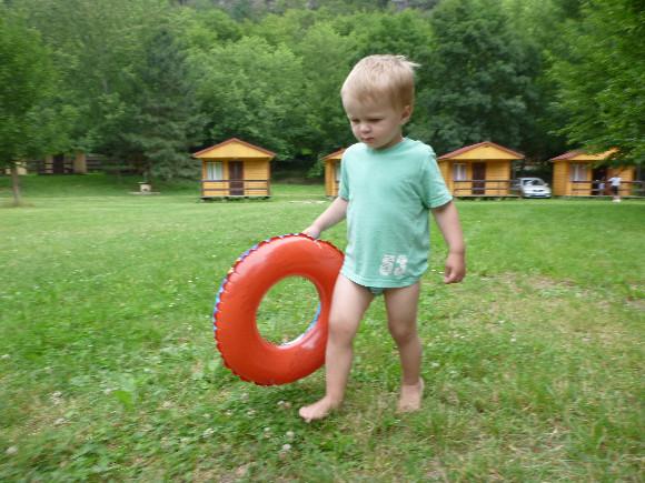 Přeplaval by Vranovskou přehradu!