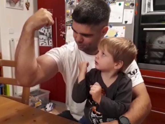 Ukaž biceps